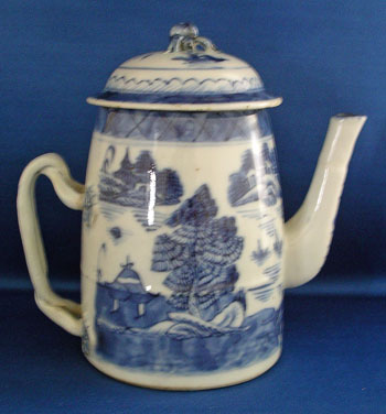 Small Canton Lighthouse Form Coffee Pot