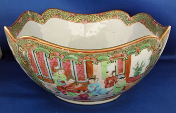 Rose Medallion Cut Corner Bowl