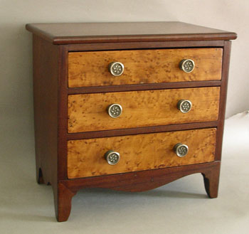 Miniature American Hepplewhite Mahogany and Birdseye Maple Chest